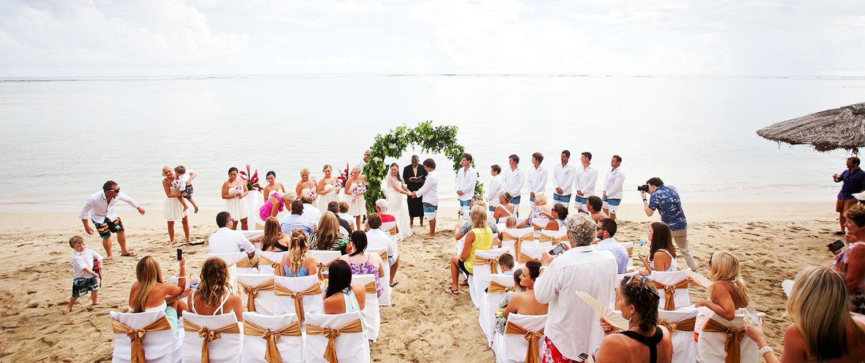 afdd821de05d Δυστυχώς στην Ελλάδα ιερείς και δήμαρχοι δεν επιτρέπεται να τελούν το  μυστήριο του γάμου εκτός εκκλησίας ή δημαρχείου. Αλλά υπάρχουν πολλά  ξωκλήσια και ...