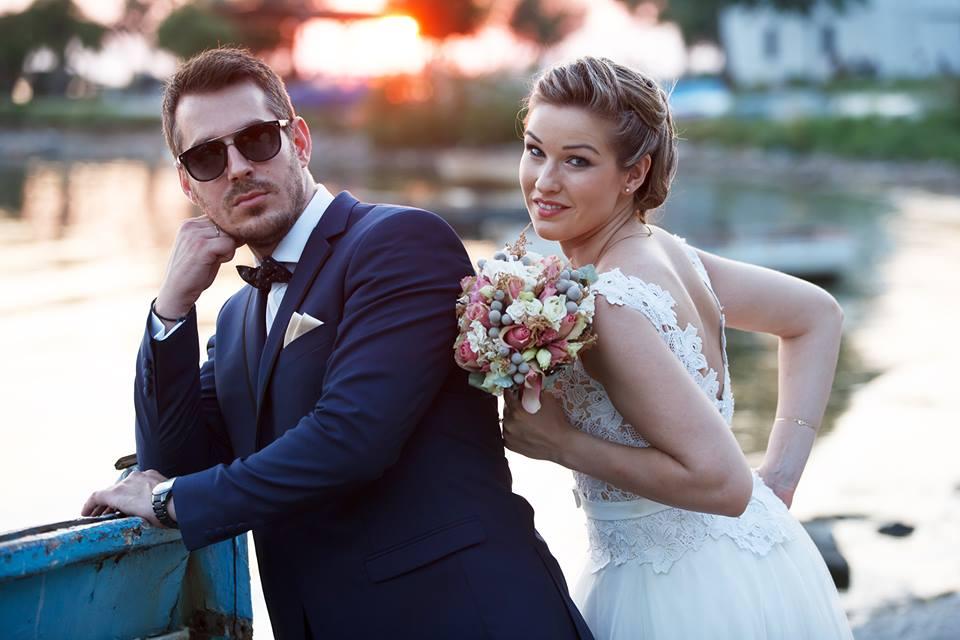 10ee4659f62f Ένας Vintage Γάμος Στα Χρώματα Της Άμμου Για Την Κωνσταντίνα Και Τον ...