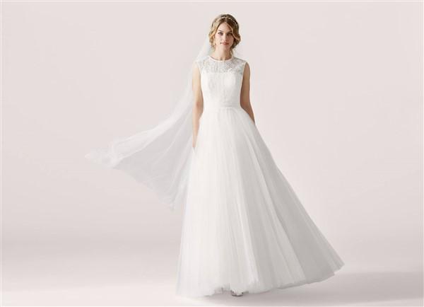 e6fbcd012c3 BRIDAL DRESS: Το απόλυτο νυφικό φόρεμα για τον πολιτικό σου γάμο