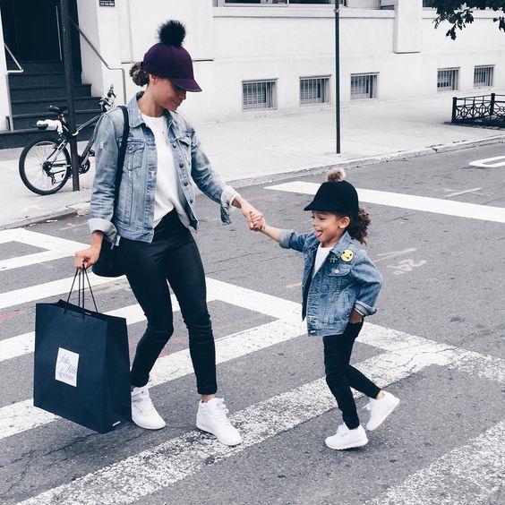 2324bca19d8 Μαμά - Κόρη: Κλέψτε Τις Εντυπώσεις Με Το Ίδιο Outfit • ogamosmas.gr