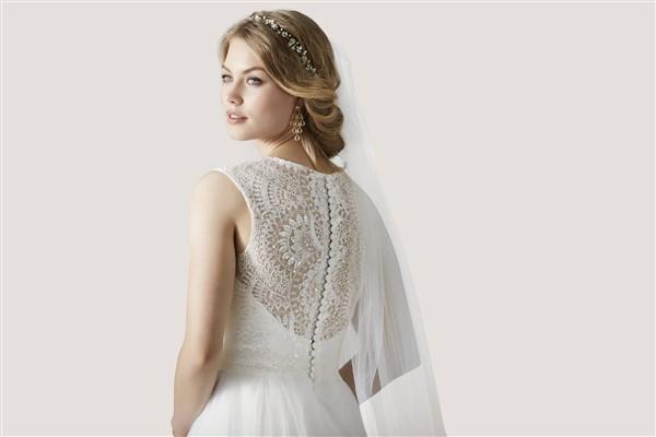 56fef44c7f7 BRIDAL DRESS: Το απόλυτο νυφικό φόρεμα για τον πολιτικό σου γάμο