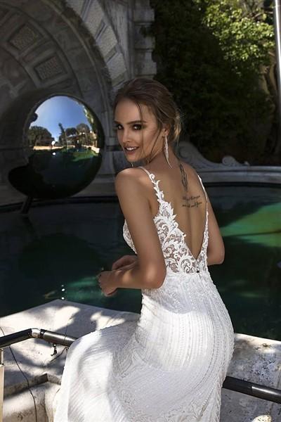 87d9169f481 WEDDING DRESS: Ένα Σαγηνευτικό Φόρεμα Για Κάθε Σύγχρονη Νύφη Που ...